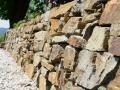 Stein im Garten, Trockenmauer Stainzer Gneis
