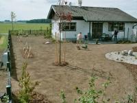 Rasenfeinplanie, Walzung, Pflanzarbeiten