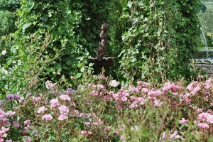 Blickfang Statue