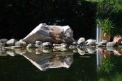 Gartengestaltung, Gartenplanung, Wasser im Garten, Quellstein aus Weißenbacher Mamor