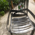 Sessel aus alten Sensen