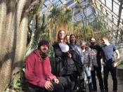 Der Service Gärtner im botanischen Garten